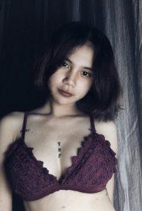 ภาพสาวนมโต