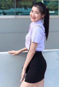 รูปสาวนักศึกษาน่ารัก