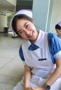 รูปสาวนักศึกษาพยาบาลน่ารัก