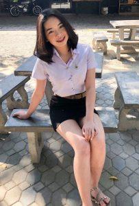 รูปสาวนักศึกษา